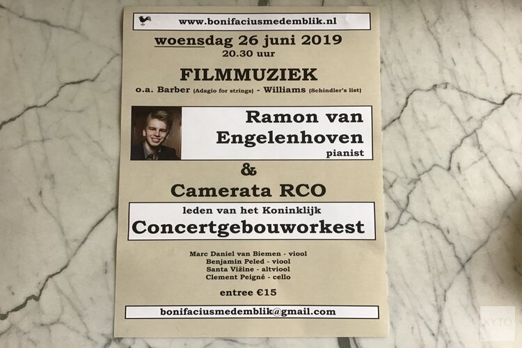 Medemblikker meesterpianist Ramon van Engelenhoven  speelt filmmuziek in Bonifaciuskerk