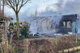 Middelgrote brand legt vakantiehuisje in as in Venhuizen